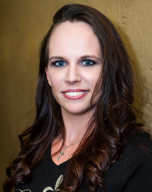 COURTNEY CHANCE : GUEST SERVICES